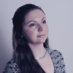 Diana on viimased 14 aastat olnud tegev Interneti meediamaastikul, kus peamiselt nõustanud Eesti ettevõtteid reklaamikampaaniate ja erinevate projektide osas. Oma turundusalaseid teadmisi käis ta täiendamas EBS-i magistratuuris, mille lõpetas 2009. aastal. Vabal ajal meeldib talle tegeleda käsitööga ning reisida.